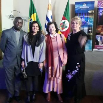 foto consulado uy 4